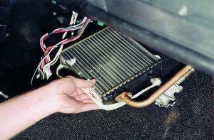 Как заменить радиатор печки на ВАЗ 2107